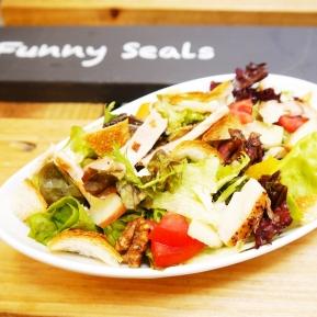 櫻桃木 / 萊茵火腿 季節沙拉 Salad